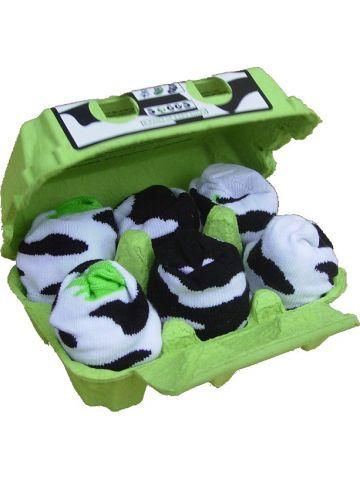 Носки черно-белые в яичной коробке.